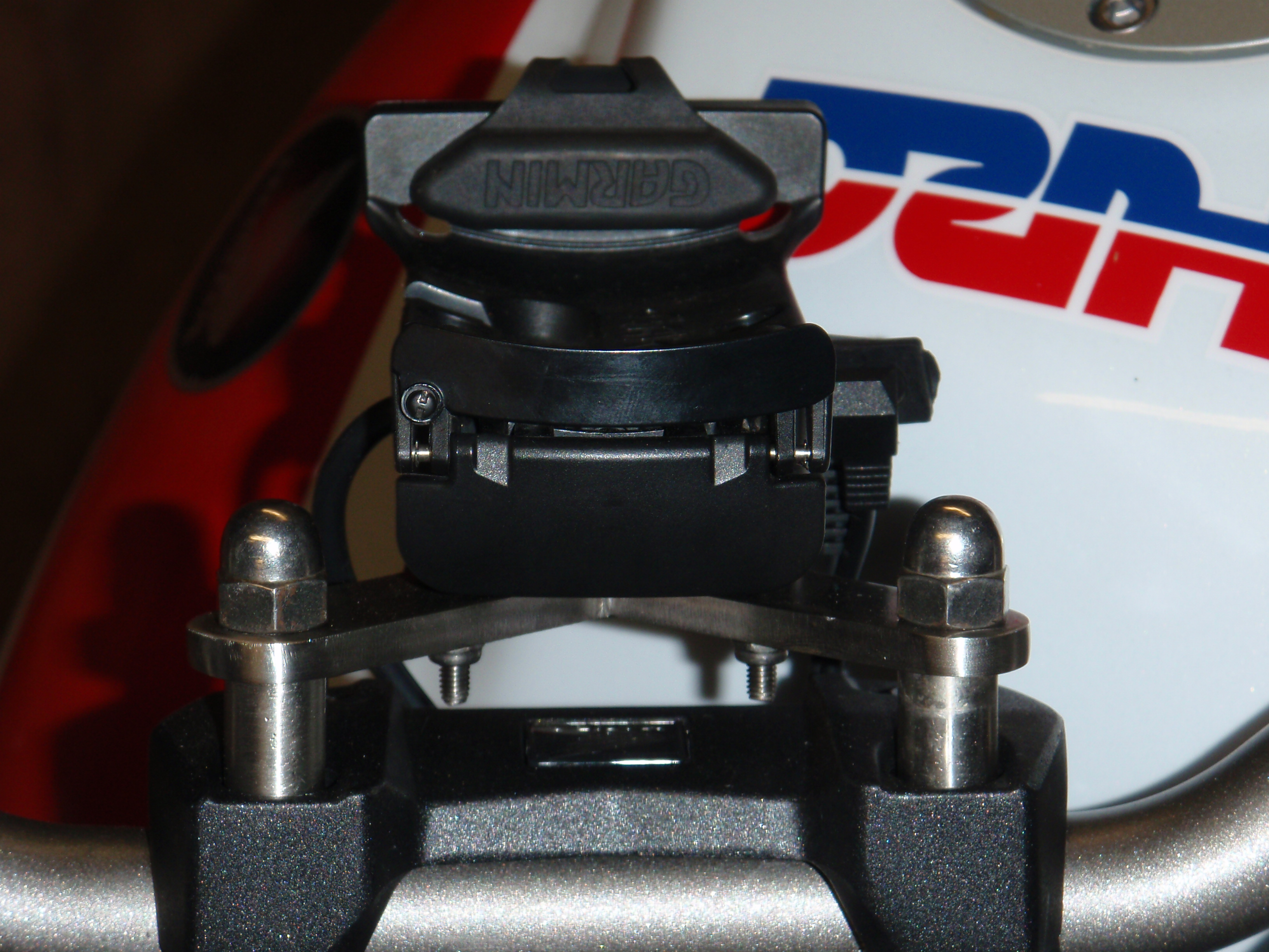 Name:  CB1R Custom mount from the front.jpg Views: 99 Size:  1.65 MB